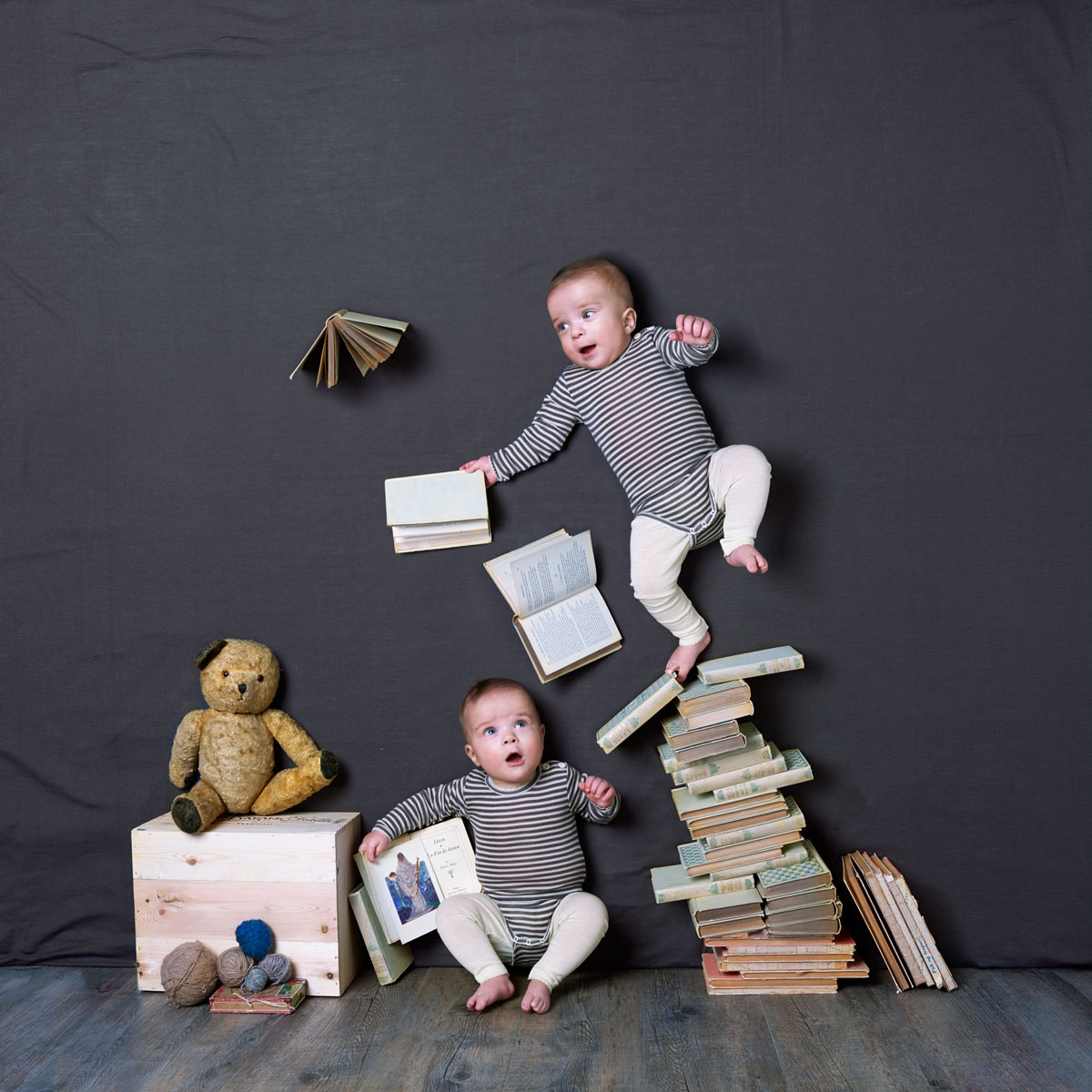 Twin boys playing with books. Advertising for Norwegian wool brand Lilli Leopold by håvard schei