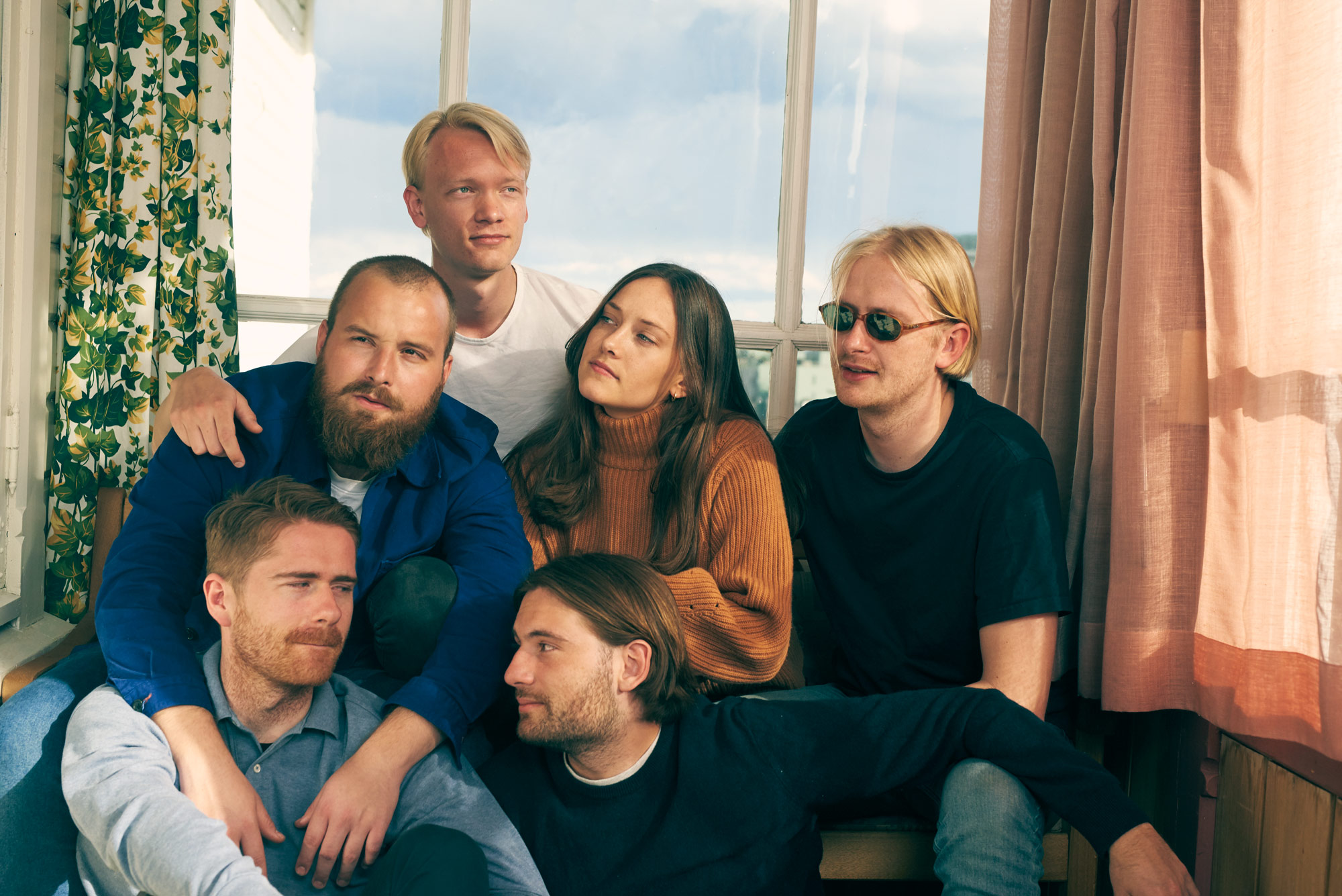 Portrait of Norwegian pop band Svømmebasseng